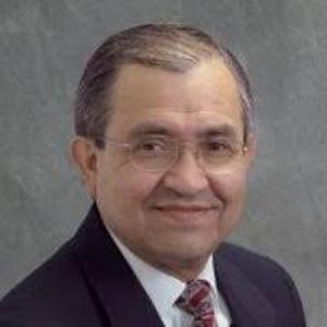 Dr. Roberto Ruiz